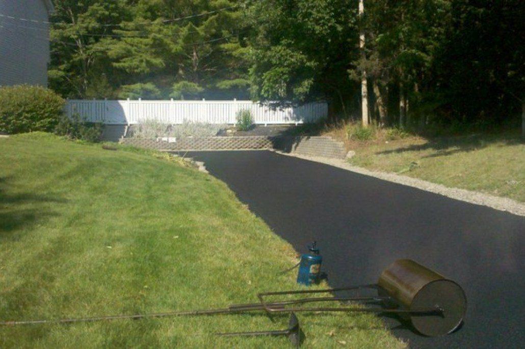 blacktop-driveway-carmel